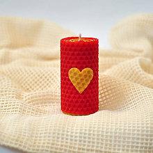 Svietidlá a sviečky - Sviečky z lásky (z včelieho vosku) - 8624732_