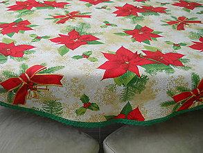 Úžitkový textil - Okrúhly obrus - Vianočná ruža so zelenou čipkou - 8626709_