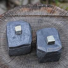 Krabičky - RAKU dóza kameň s minerálom / Krabička na prsteň - 8626586_