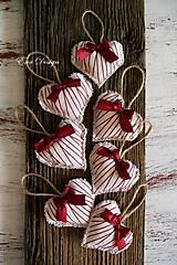 Dekorácie - vianočné ozdoby - srdiečka bordó - 8626211_