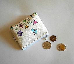 Peňaženky - kvietky s motýľom - 8626327_
