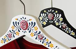- Sada maľovaných vešiakov (pre mladomanželov (+mená)) - 8633071_