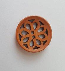 Galantéria - Vyrezávaný drevený gombík 3cm - 8630067_