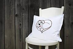 Úžitkový textil - Obliečka na vankúš s ručne vyšívaným vzorom - 8634442_