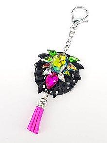 Kľúčenky - Luxusný prívesok STOUN na kabelku - Zelená s fialovým odleskom + fuchsiová ružová - 8636766_