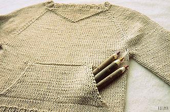 Detské oblečenie - Ležérny ručne pletený svetrík s vačkom - 8638526_