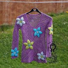 Návody a literatúra - Dámský fialový svetřík s květy - návod 60 - 8641121_