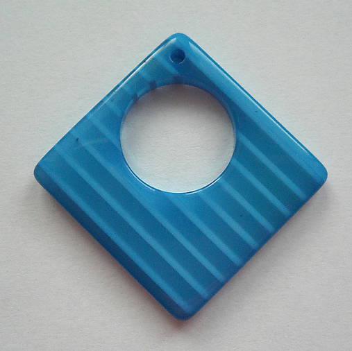 Plast.prívesok 29x29mm-1ks