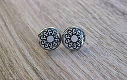 Čierno biele 13 mm (kvetinky - napichovačky č.1337)