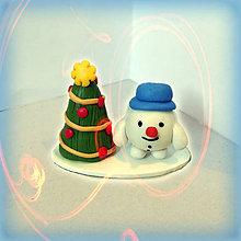 Socha - Zlato červený vianočný stromček a tlstý snehuliak - 8641054_