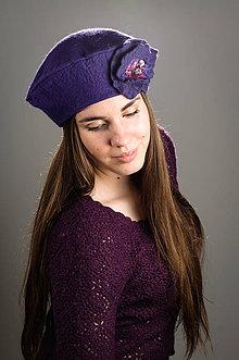 Čiapky - Fialová Francúzska Baretka s kvetom, Merino vlna, Plstená - 8646757_