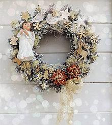 Dekorácie - Vianočný veniec s anjelom - 8645624_