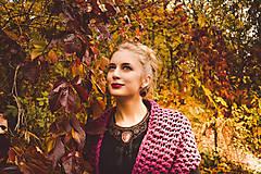 Náhrdelníky - Raspberry themed necklace - vyšívaný límec - 8645511_