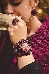 Náramky - Raspberry themed bracelet - vyšívaný náramek - 8645582_