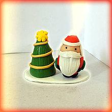Dekorácie - vianočný stromček a tlstý Santa - 8644915_