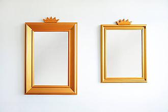 Zrkadlá - Zlaté zrkadlo s korunkou - 8653801_