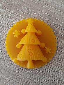 Magnetky - Magnetka zo 100% včelieho vosku - Vianočný stromček - 8652950_