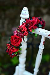 - Romantický červený venček - 8655410_