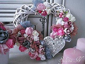 Dekorácie - Romantické srdiečko ruže so stúh :) - 8659584_