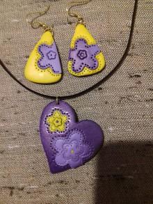 Sady šperkov - Fialové srdiečko a náušnice - 8663205_