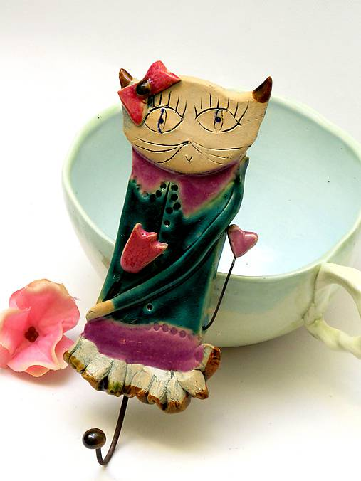 vešiak mačka tyrkysový
