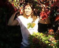 - Biele tričko s maľbou stromu podľa vášho želania - 8664643_