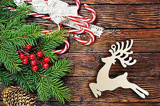 Dekorácie - Vyrezávaná vianočná ozdoba - jeleň - 8668558_