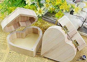 Polotovary - KB102 Krabička drevená srdiečko 9 x 10 x 4 cm - 8665407_