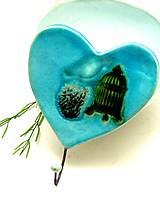 vešiak srdce zeleno tyrkysové