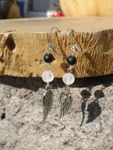 Náušnice - náušnice s krídlami, Krištáľom matným a matným Onyxom - 8667443_