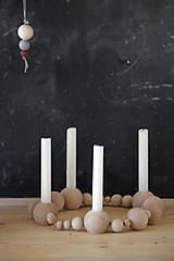 Svietidlá a sviečky - Drevený svietnik - 8669473_