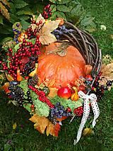 Dekorácie - Jesenný veniec z machu - 8669546_