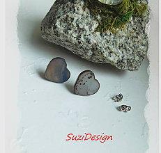 Náušnice - napichovačky elegancia srdiečka prírodná perleť v sivej - 8669292_