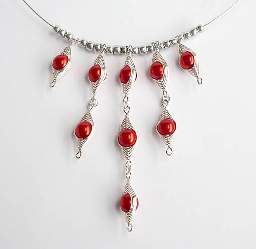 Červený obručový náhrdelník