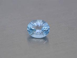 Minerály - Topás sky modrý prírodný ovál concave 9x7mm - 8671108_