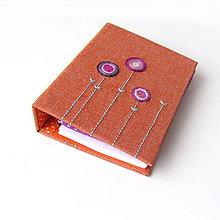 Papiernictvo - Karisblok Farebné kvety na oranžovej riflovine - A6 - 8669876_