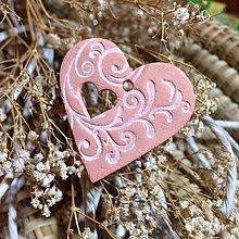 Drobnosti - Malé keramické srdiečko s ornamentom - 8672354_