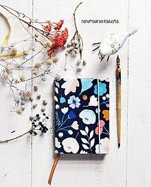 Papiernictvo - Farebné kvety II. Diár 2018 - 8674675_