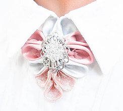 Náhrdelníky - Elegancia a la Chanel - ružový náhrdelník so štrasovou ozdobou - 8674919_