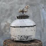 Nádoby - RAKU dóza s koníkom - 8681206_
