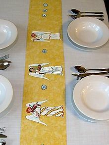 Úžitkový textil - Stredový obrus , ručne maľovaný, anjeli ,120 x 20 cm,  žltý - 8678316_