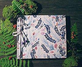 Papiernictvo - Fotoalbum klasický, polyetylénový potlačený obal s autorskou ilustráciou ,, Modrá lúka,, - 8679279_