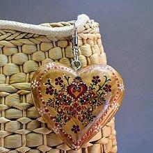 Iné šperky - Drevený prívesok na kabelku – Srdce Folk - 8681031_