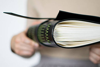 Papiernictvo - Ručne viazaný kožený zápisník Gabriel - 8678680_