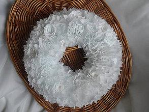 Dekorácie - Biely svadobný venček - 8679049_