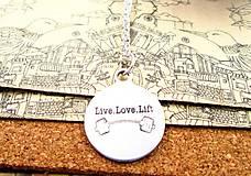 Prívesok LIVE LOVE LIFT s retiazkou