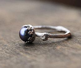 Prstene - Vetvičkový prsteň strieborný s paví perlou - 8686542_