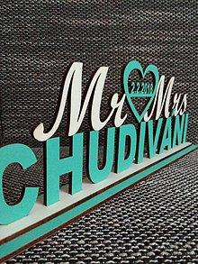 Darčeky pre svadobčanov - Mr & Mrs s Vaším SPOLOČNÝM priezviskom - 8684854_