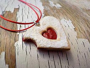 Náhrdelníky - linecké srdce nakusnuté - náhrdelník - 8686682_