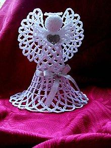 Dekorácie - Háčkovaný anjel vysoký - 8691819_
